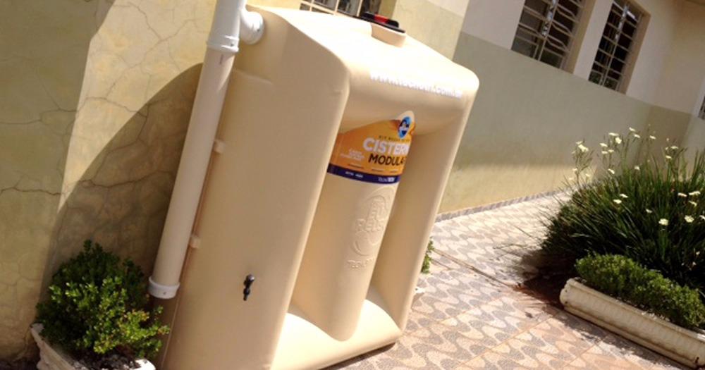 Captação de Água da Chuva em Escolas. Um Ambiente Educativo e Ecologicamente Correto
